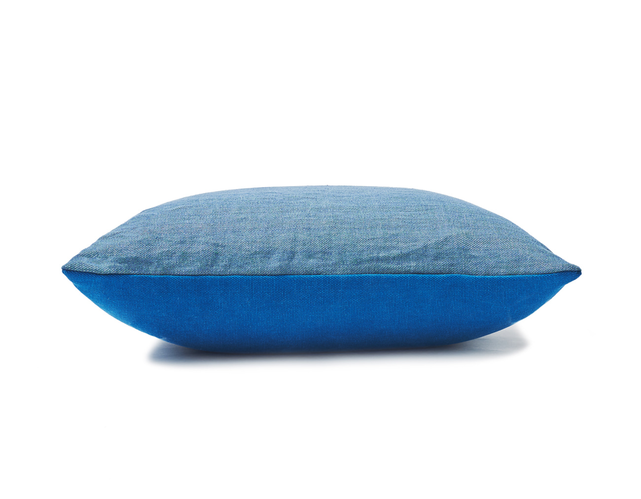 FLIP CUSHION- BLUE