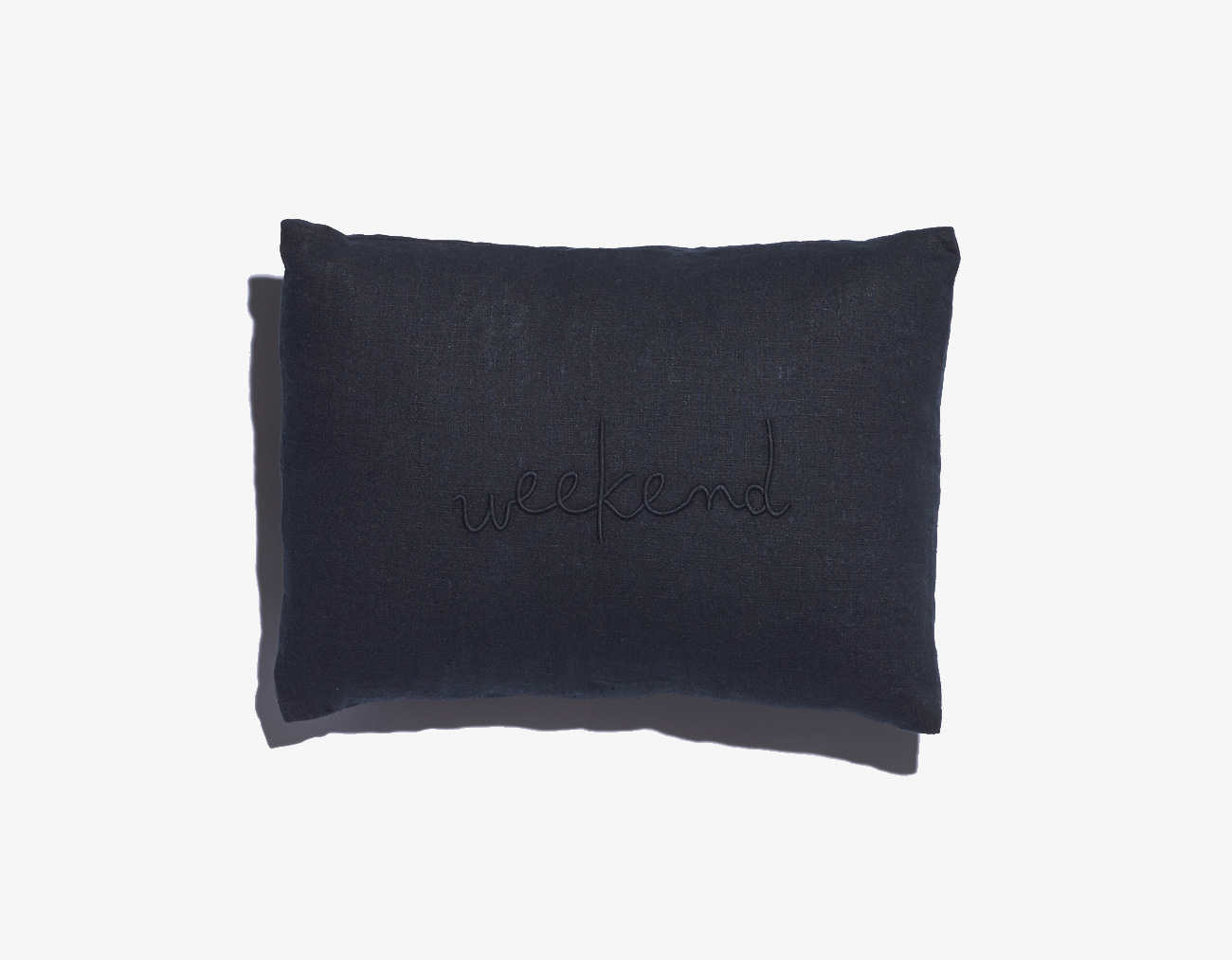WEEKEND CUSHION-BLACK