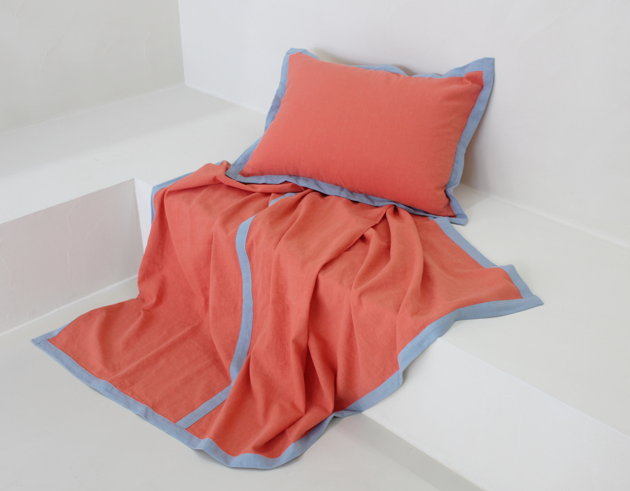 SUMMER LINEN BLANKET - CORAL / AIRY BLUE