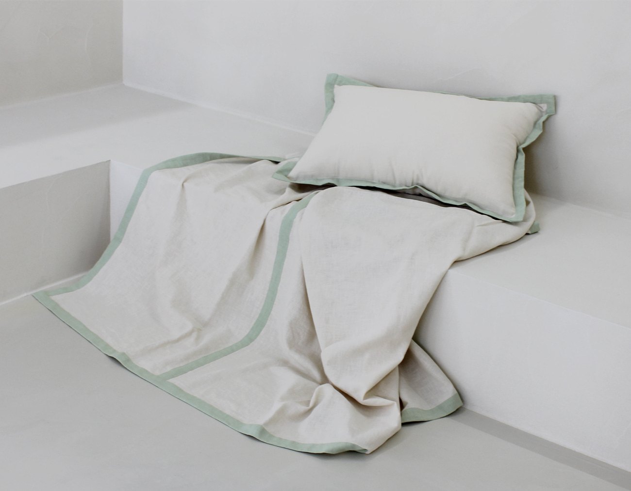 SUMMER LINEN BLANKET - IVORY / MINT