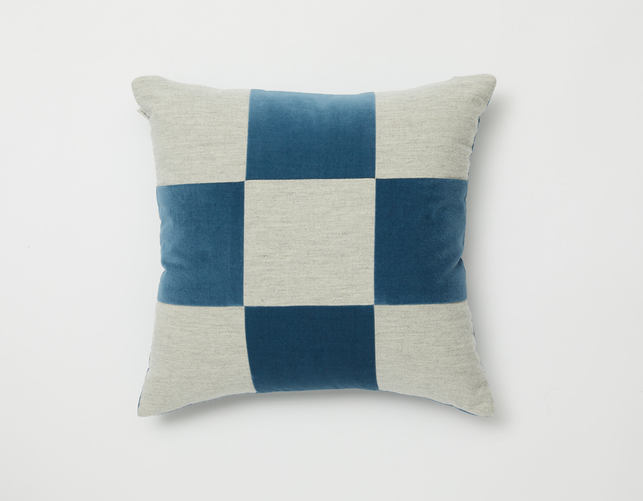 VELVET CHECKERED CUSHION_4545GRAYISH BLUE